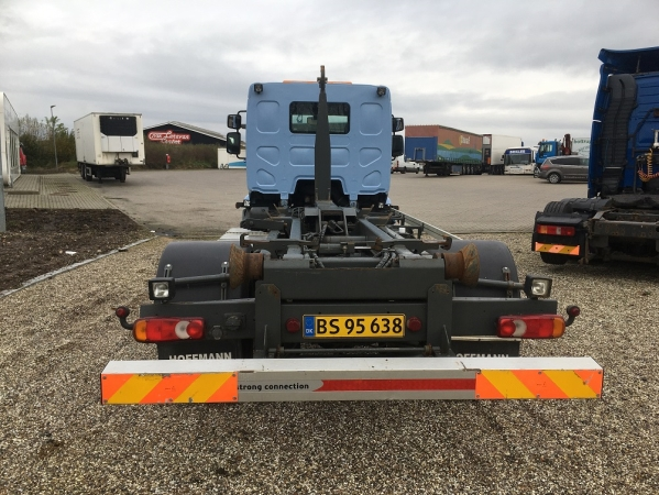 Renault 12.220 MIDLUM 4X2 04.jpg