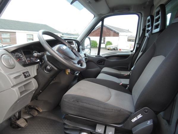 Iveco 35S15 4X2 ref 95097 05.jpg