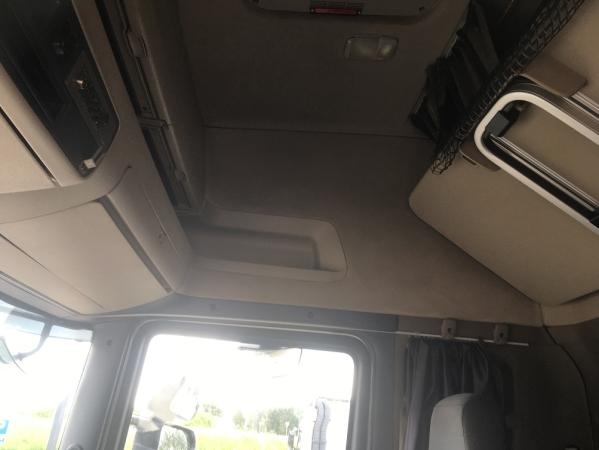 Scania R500 6X2 08.jpg