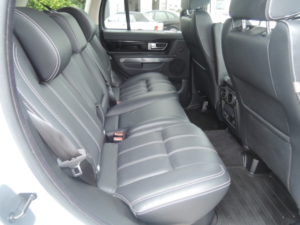 Land Rover RANGE ROVER SPORT 3,0 SDV6 HSE AUT. 5D 08.jpg