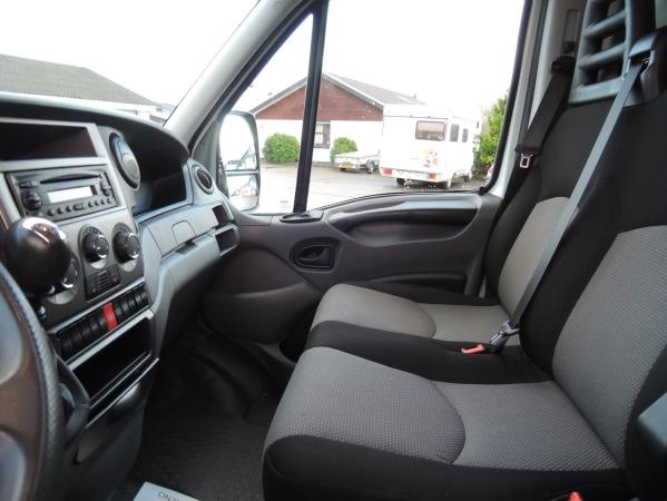 Iveco 35S15 4X2 ref 95097 06.jpg
