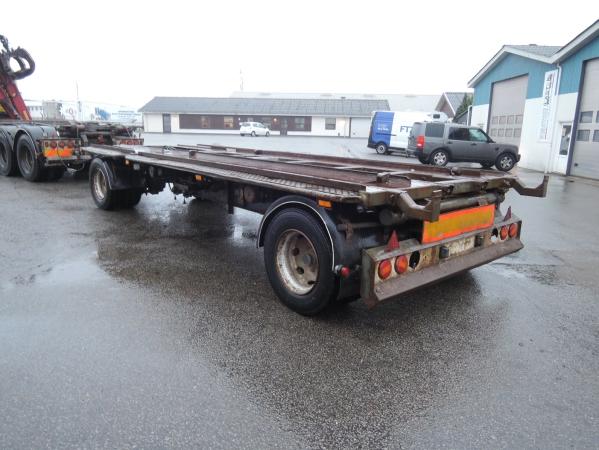Scania R480 8X2 06.jpg