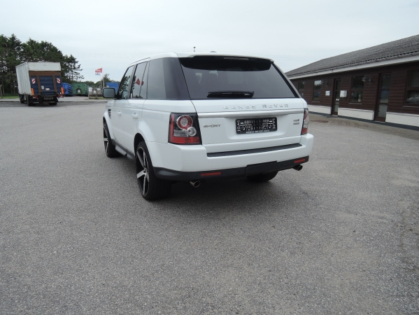 Land Rover RANGE ROVER SPORT 3,0 SDV6 HSE AUT. 5D 03.jpg