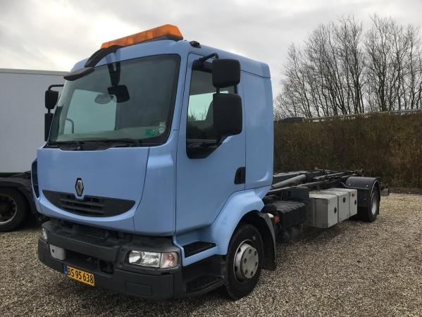 Renault 12.220 MIDLUM 4X2 01.jpg
