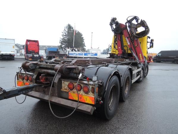 Scania R480 8X2 05.jpg