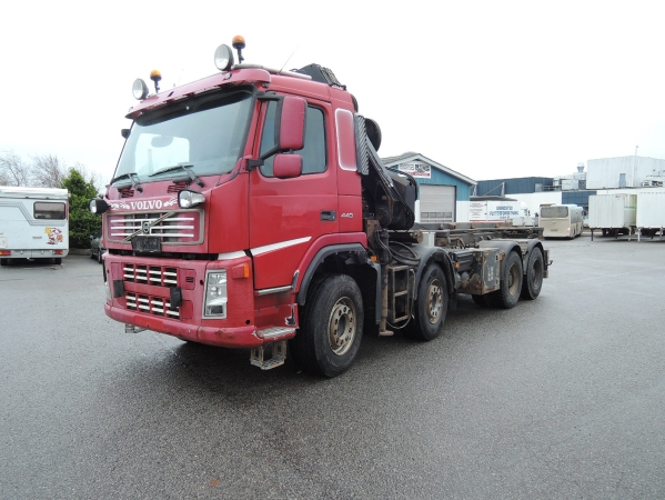 Volvo FM12 8X4 02.jpg