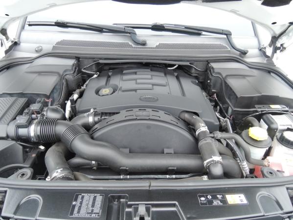 Land Rover RANGE ROVER SPORT 3,0 SDV6 HSE AUT. 5D 12.jpg